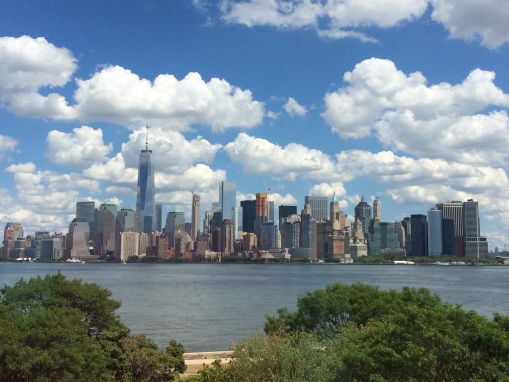 vue d'Ellis Island sur le Financial District - New York