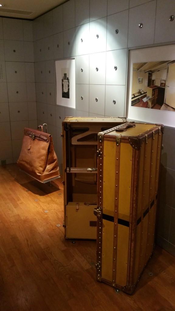 Articles de voyage à la Galerie Louis Vuitton à Asnières