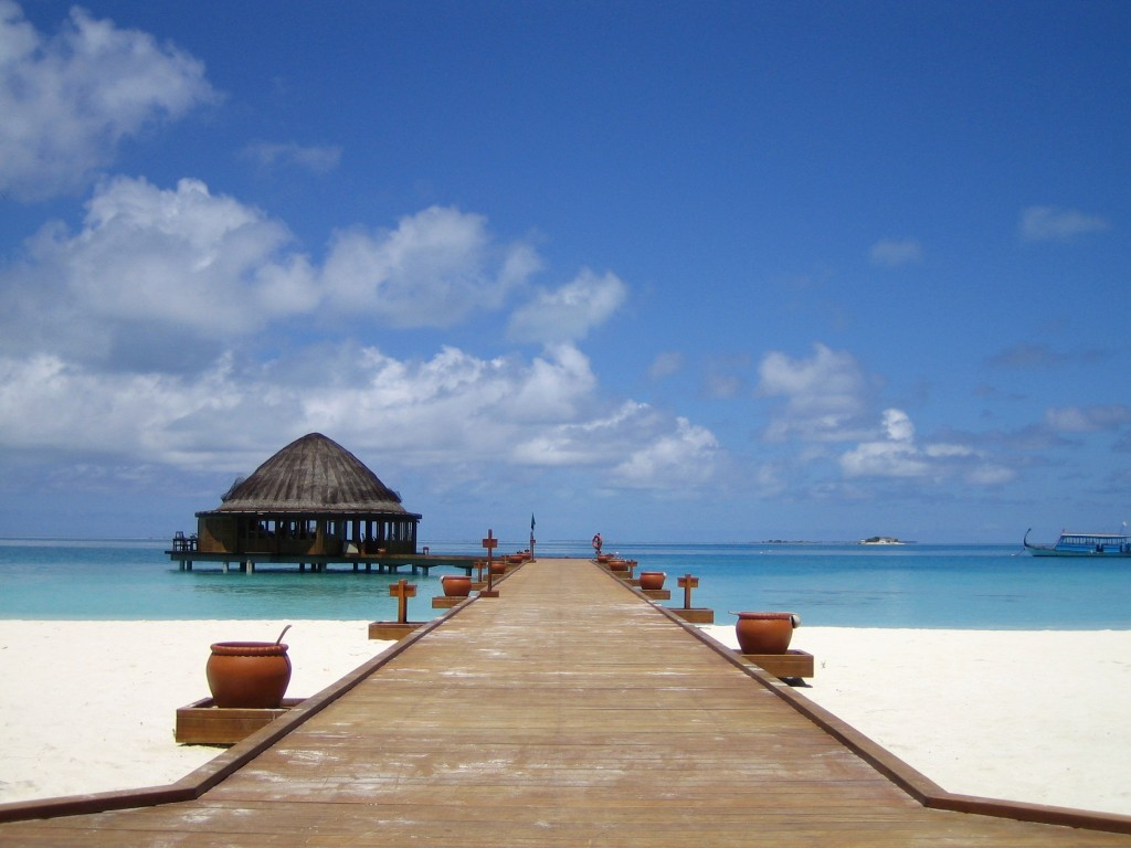 Ponton Angsana Velavaru aux Maldives