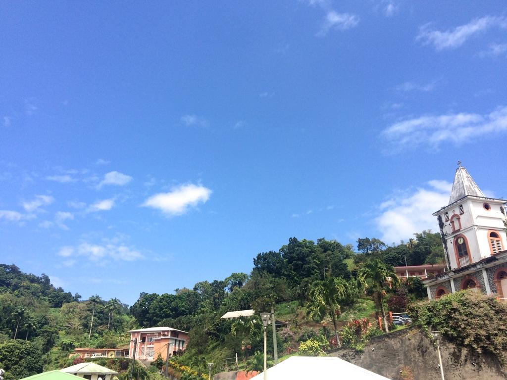 Eglise du village de Fonds Saint-Denis en Martinique