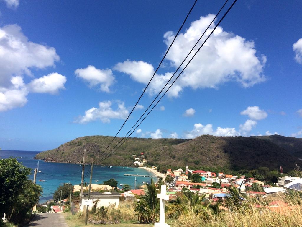 Vue surplombant le petit village de Saint-Arlet en Martinique