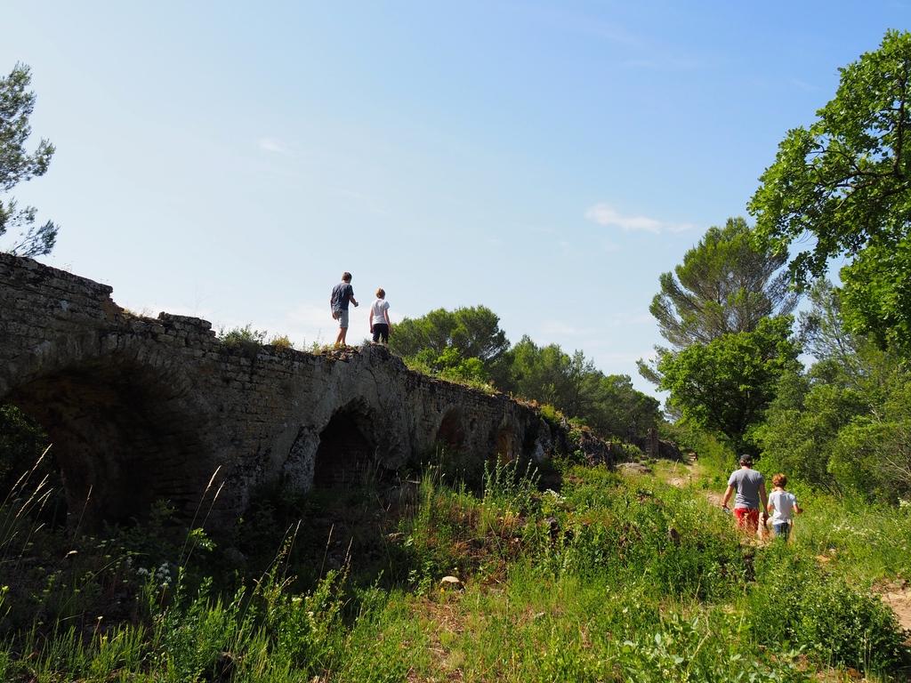 Balade champêtre le long des vestiges du Pont du Gard