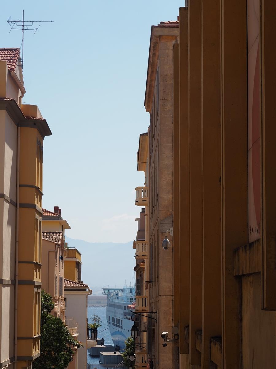 Vue sur le port d'Ajaccio en Corse