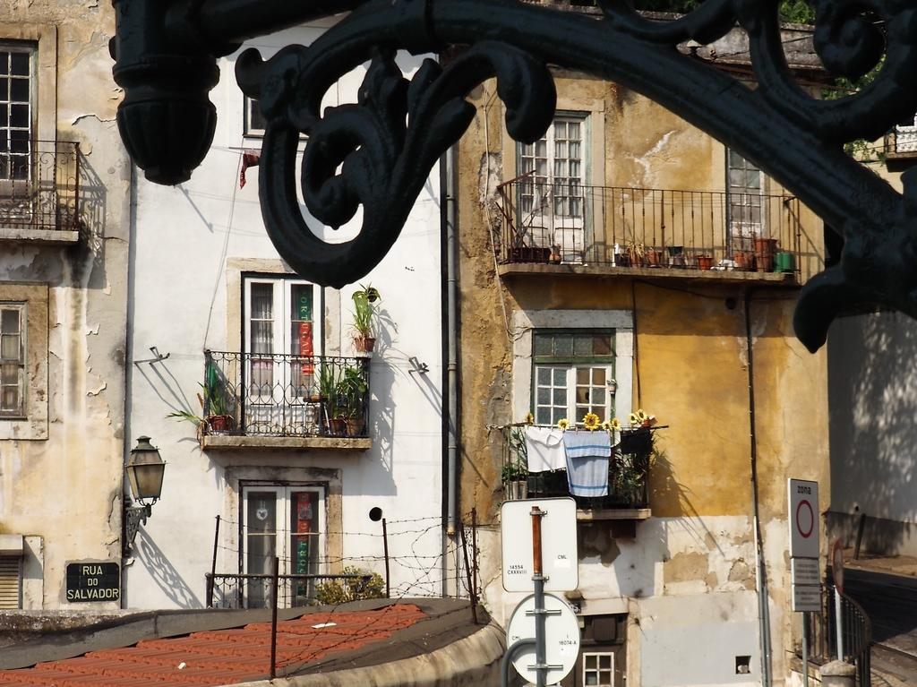 Vue de notre appartement, rua das Escolas Gerais à Lisbonne
