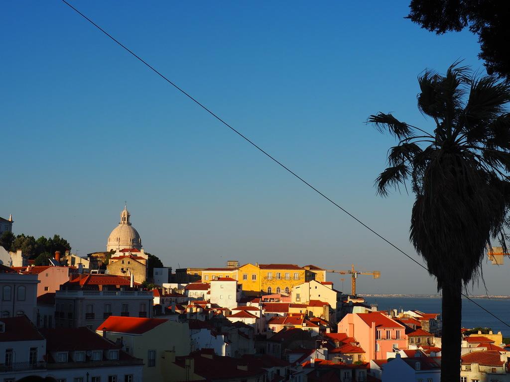 Vue sur le Tage de Portas do Sol à Lisbonne