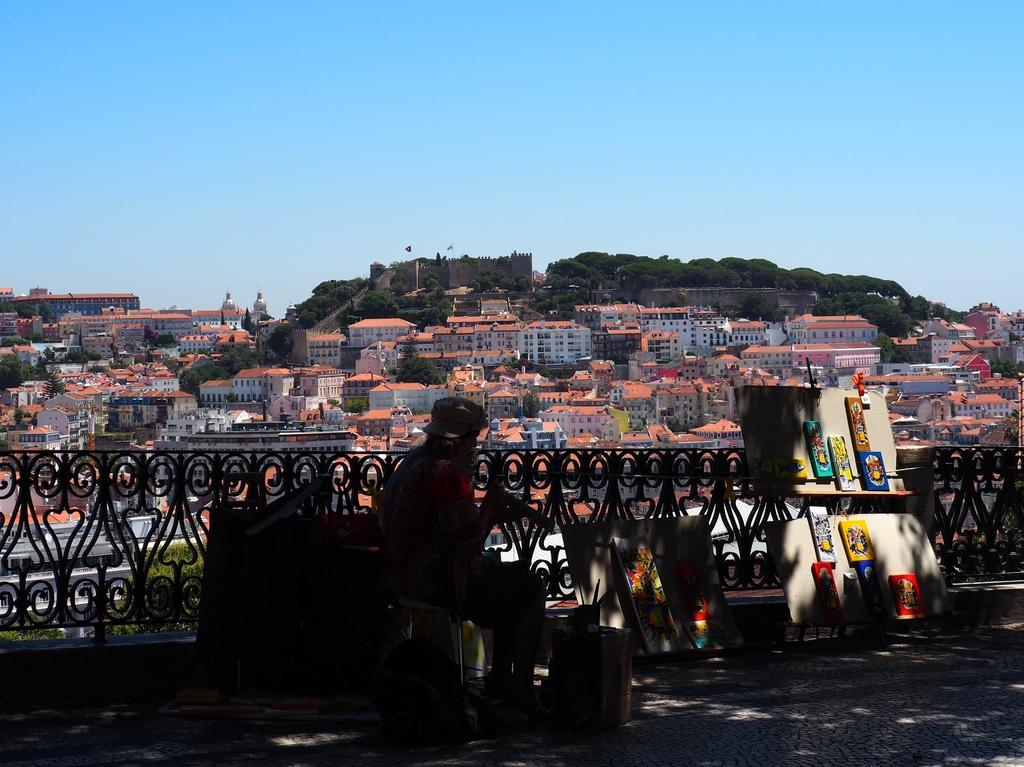 Vue du miradouro Sao pedro de Alcantara à Lisbonne