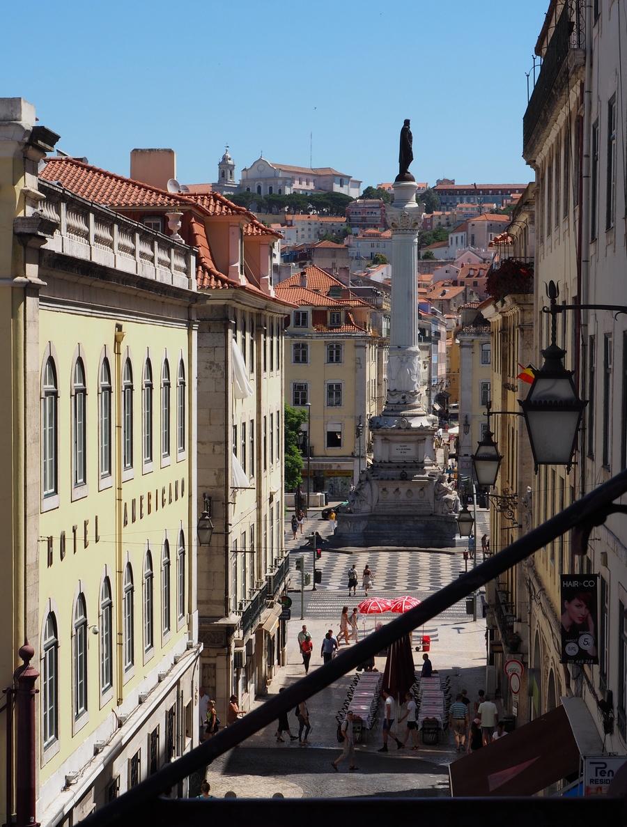 Vue sur Praça Dom Pedro IV à Lisbonne