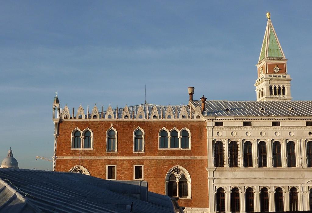 Venise en hiver, vue de l'hôtel Daniellisur le Campanile