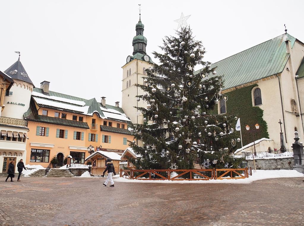 Megève en hiver, place de l'église