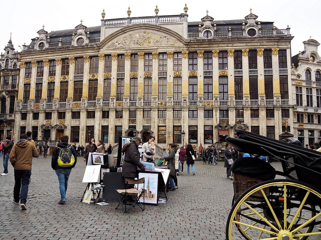 Bruxelles en 4 jours et en famille - Grand Place et ses calèches