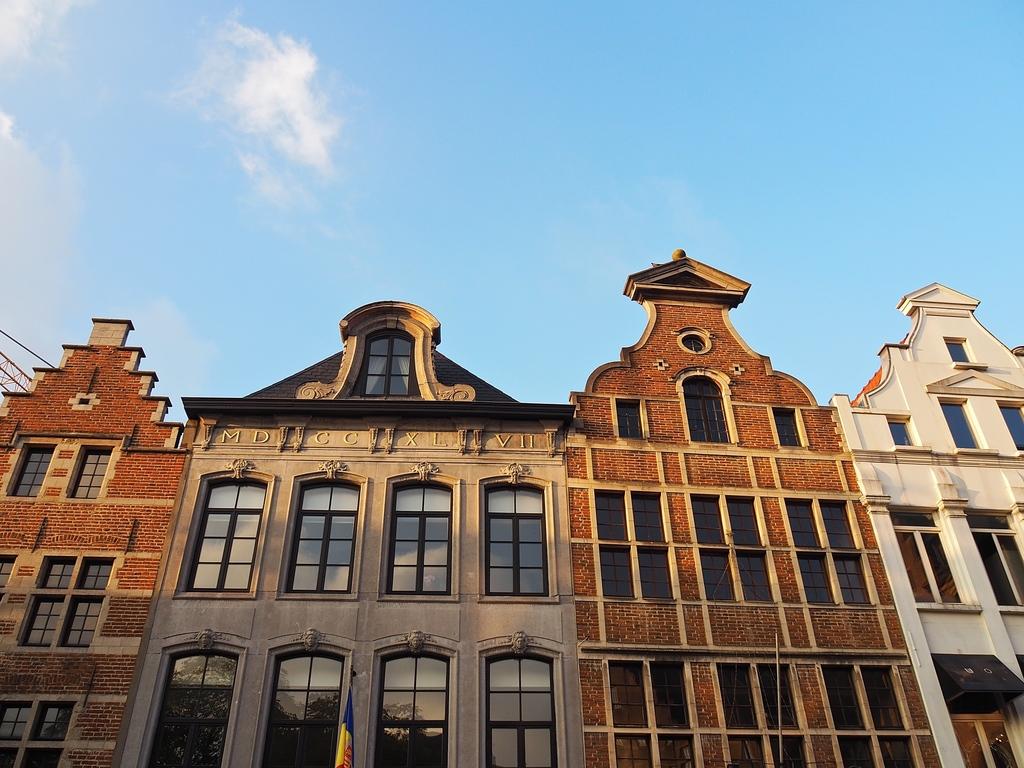 Visiter Bruxelles en famille, que faire 4 jours ? - Les jolis toits de la Rue de la Montagne