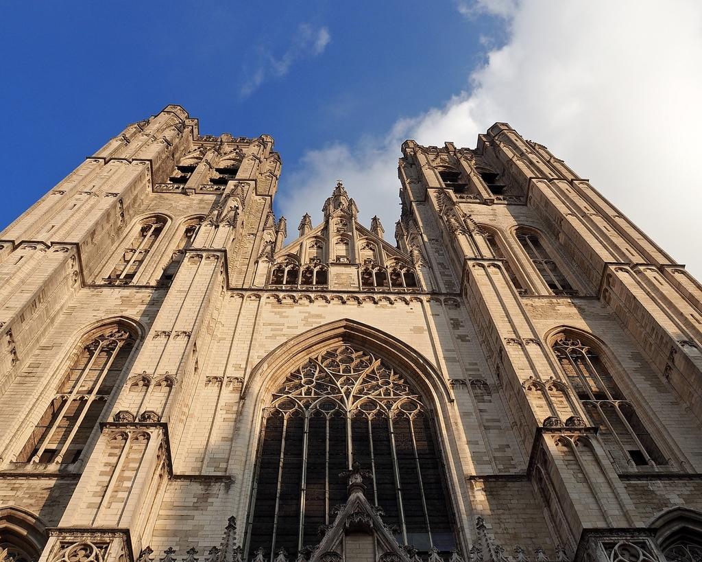 Visiter Bruxelles en famille, que faire 4 jours ? - La Cathédrale Saints-Michel et Gudule