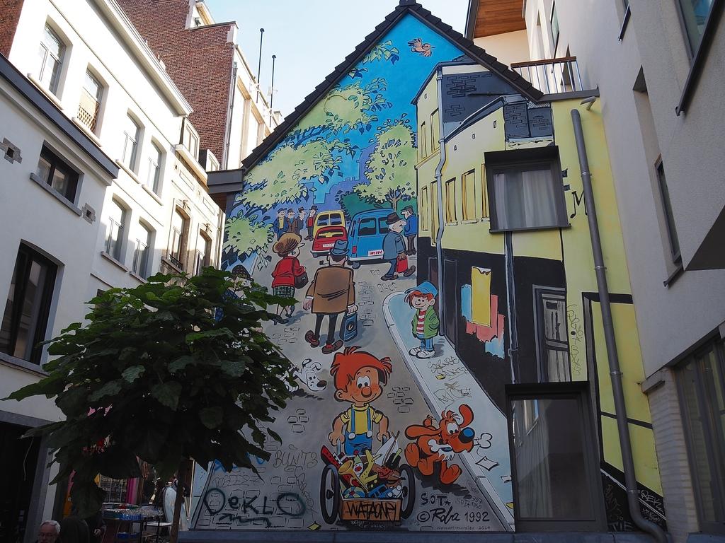 Visiter Bruxelles en famille, que faire en 4 jours ? - Un dimanche aux Marolles - Graffiti Spirou