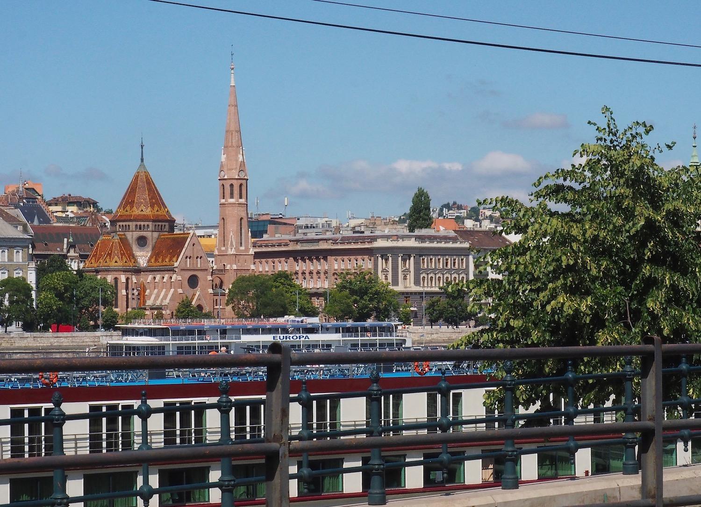 Visite de Budapest en famille, itinéraire sur 5 jours - Promenade le long du Danube - Buda vue de Pest