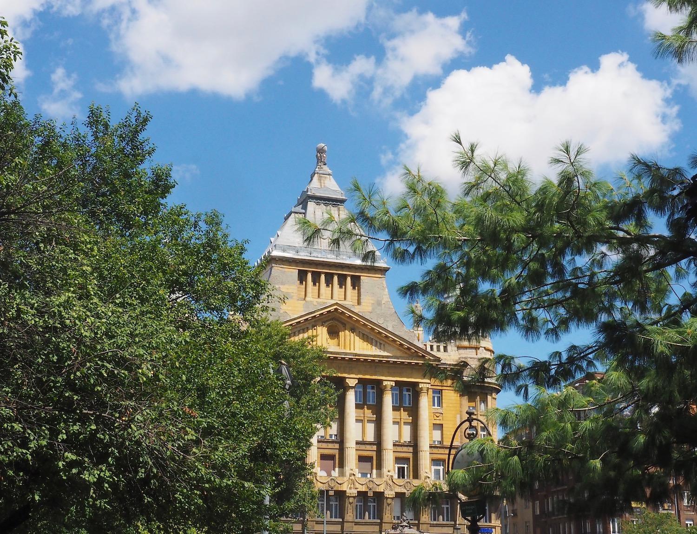 Visite de Budapest en famille, itinéraire sur 5 jours - Quartier Belvaros - Deak Ferenc Ter