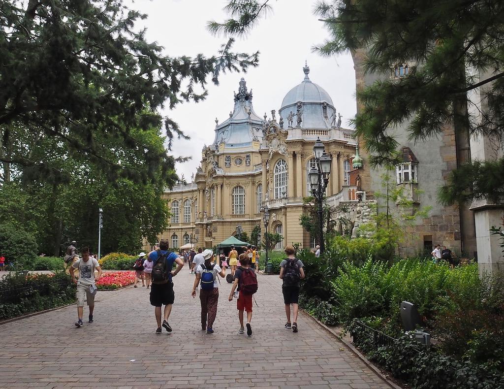 Visite de Budapest en famille, itinéraire sur 5 jours - Balade dans le quartier du Bois de la ville - Musée de l'Agriculture