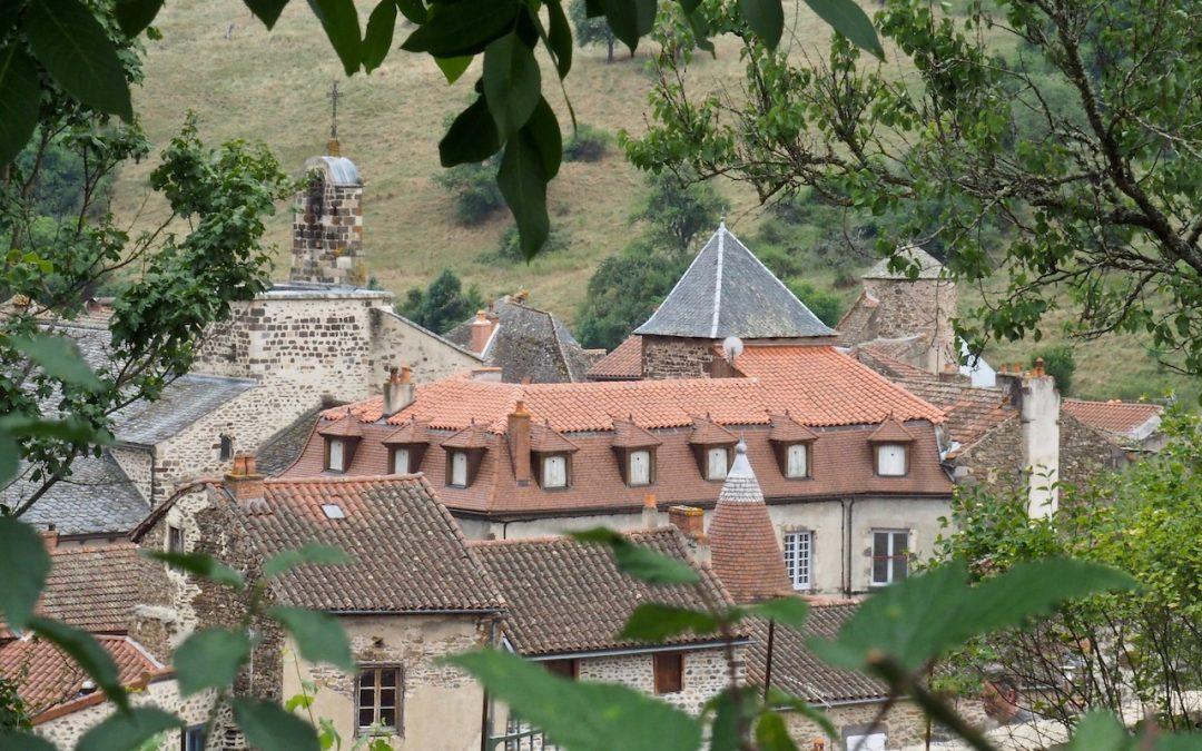 Auvergne : une halte à Blesle, l'un des plus beaux villages de France