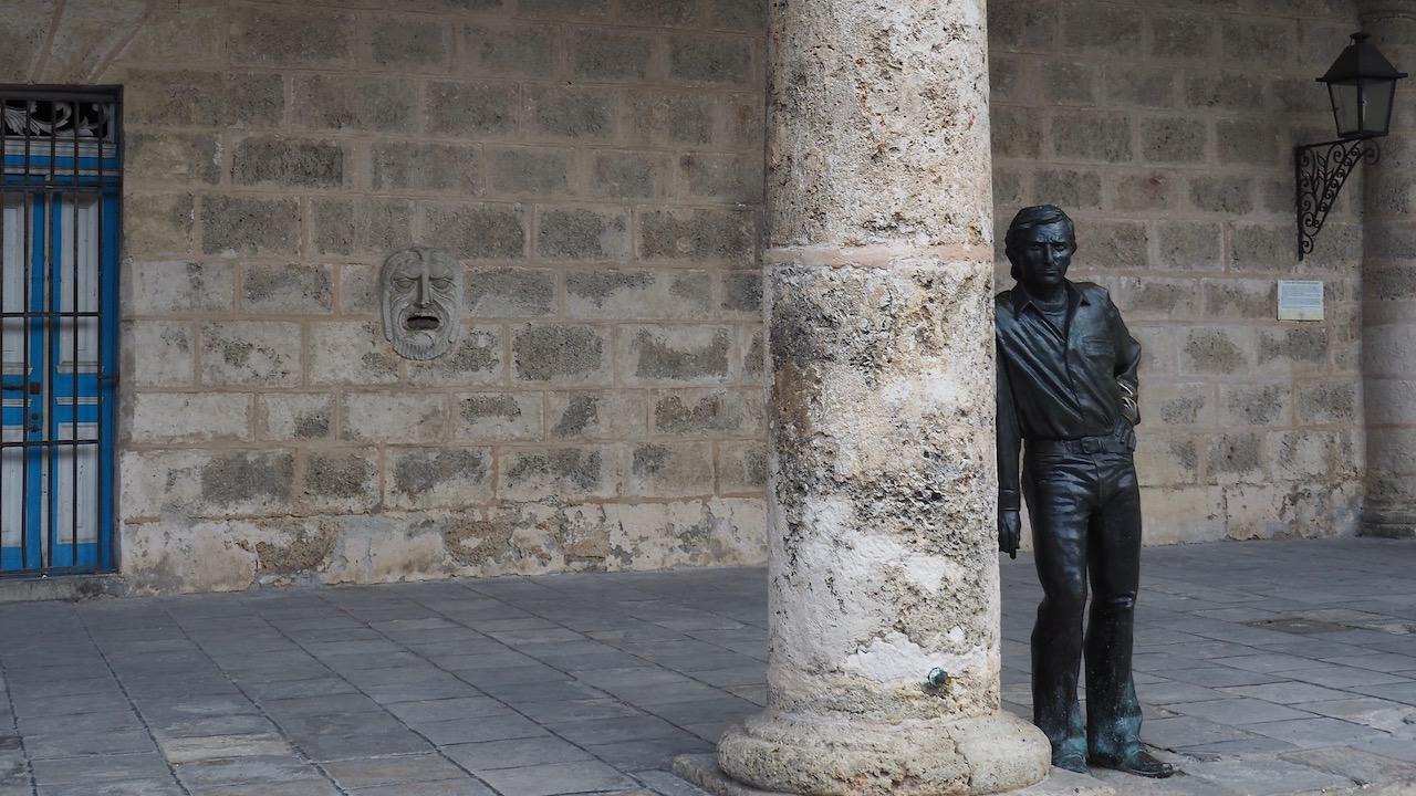 3 jours à la Havane - Statue d'Antonio Gades - Place de la Cathédrale de la Havane